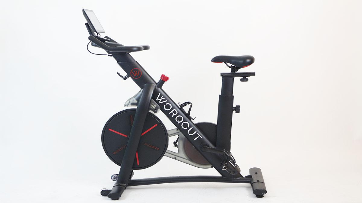 tip mejorar entrenamiento bicicleta fija en casa