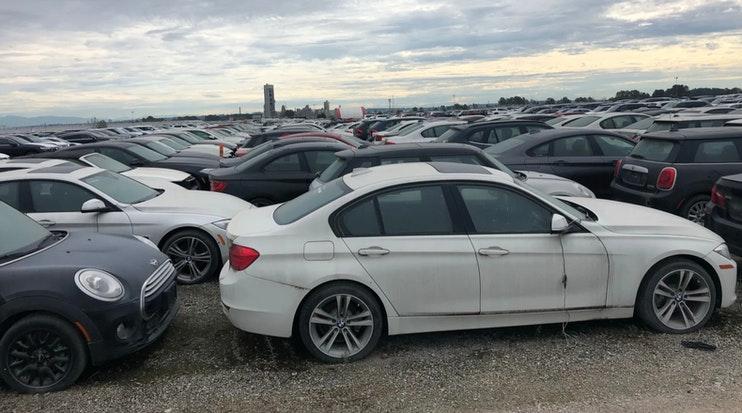 autos bmw abandonados en vancouver canada