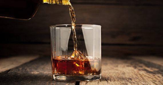 12 tragos hechos con whisky